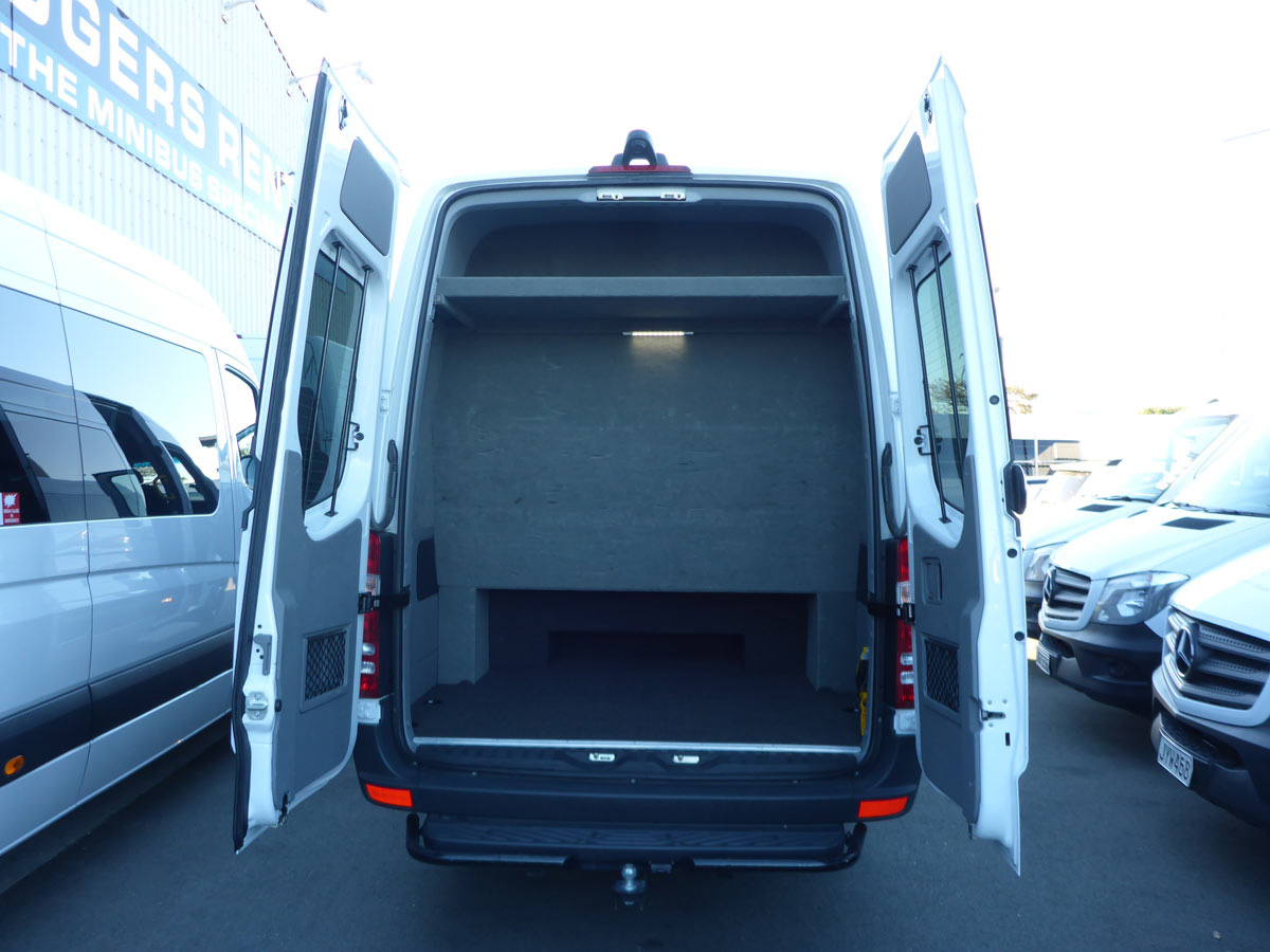 15 Seater Luxury Coach - Rear